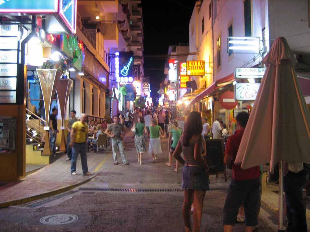 Find Strip Clubs in San Antonio