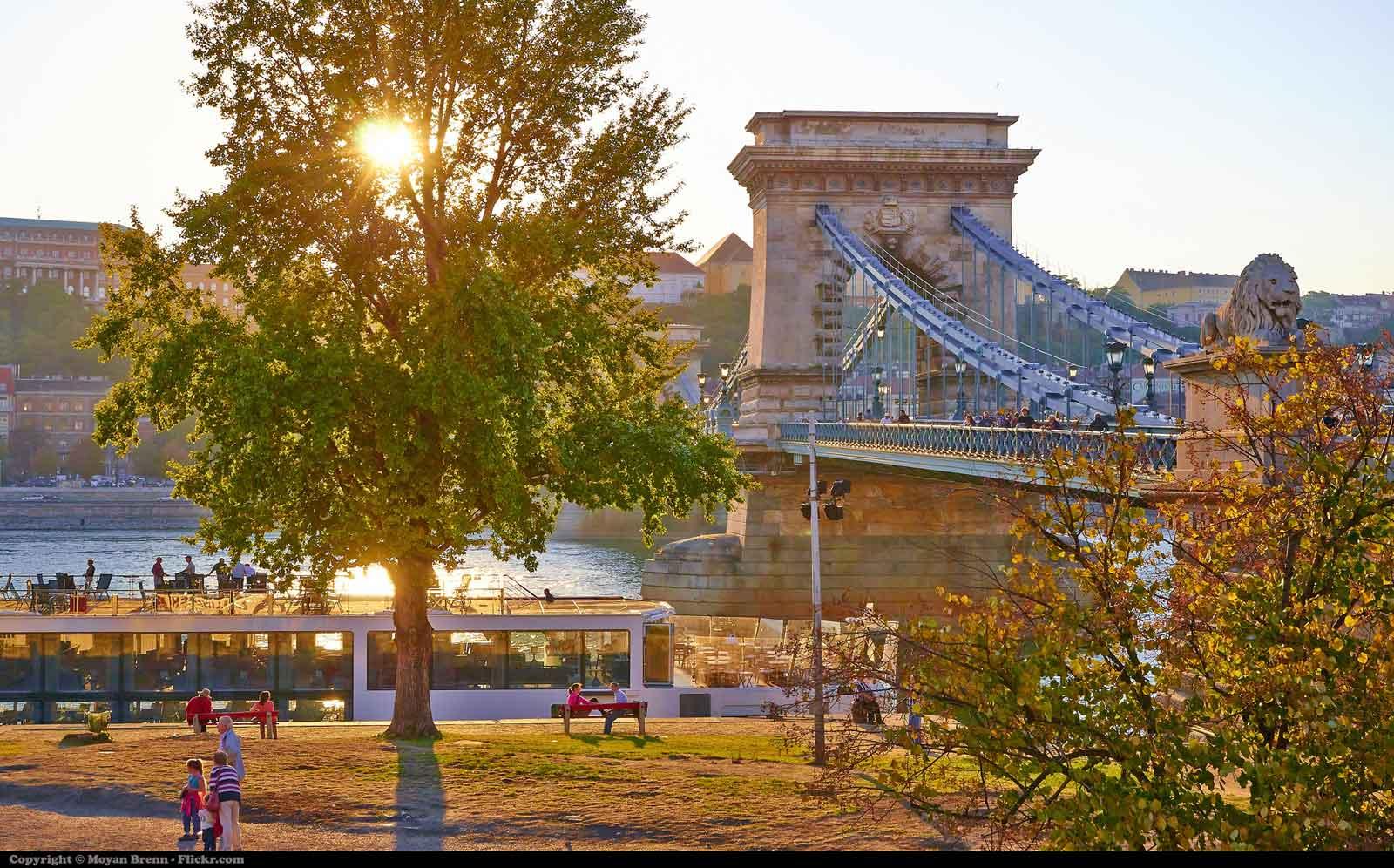 Ponte del 25 aprile a budapest for Tassa di soggiorno budapest