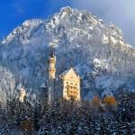 Il Castello di Neuschwanstein innevato in Inverno