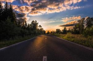 tramonto-strada-romantica