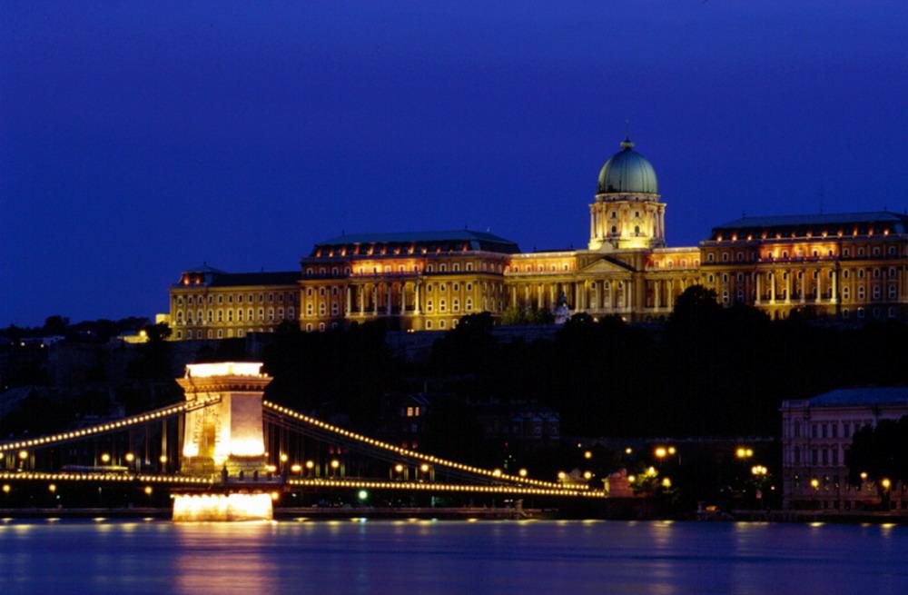 Budapest Ponte dei santi