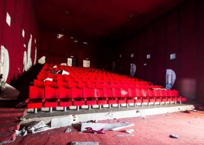 cinema_abbandonato_sala