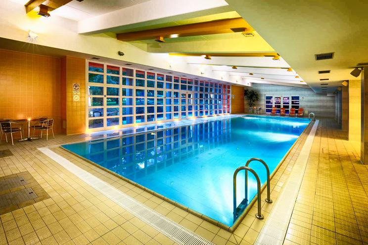 hotel pasqua praga - piscina