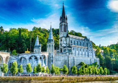 pellegrinaggi lourdes - basilica laterale