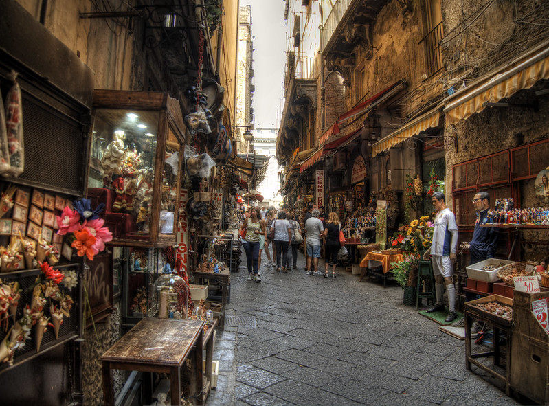 San Gregorio Armeno: storia, leggende e curiosità